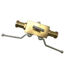 Handle 1 1/4 inch 3000psi ASTM A105 SAE end 2 floating balls and 1 needle valve DBB (double block and bleed) valve